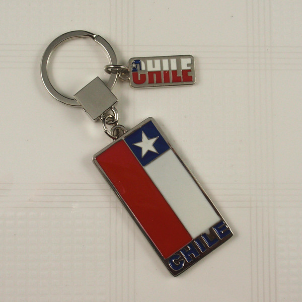 Souvenirs- Metal keyrings with Chile Logo