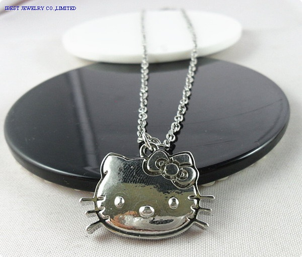 Hello kitty color enamel  metal necklace