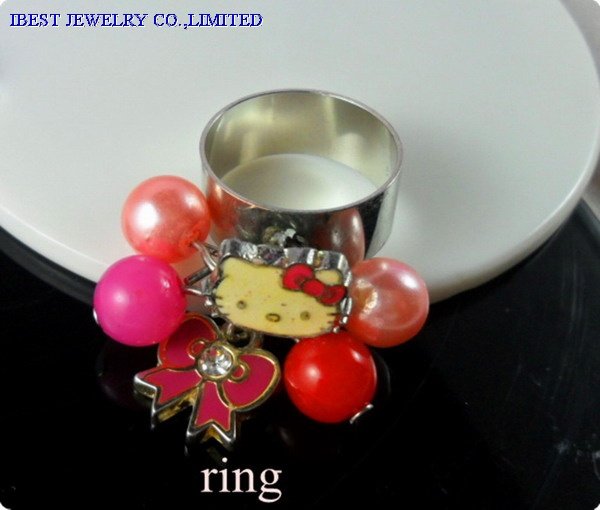 Hello Kitty  ring ith metal and plastic bead